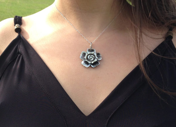 Abalone carved flower 925 sterling silver necklace
